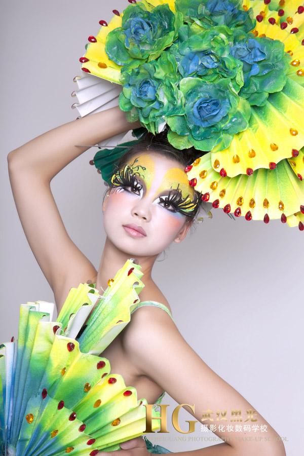 武汉哪个彩妆学校最好/武汉天姿美容美发化妆学校/2012创意彩妆花之图片